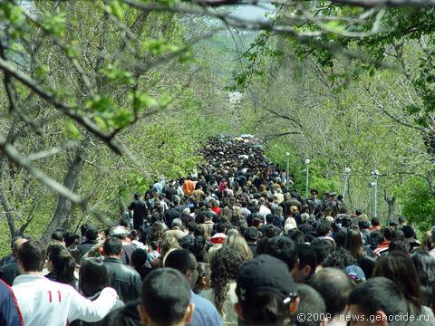 Ереван, Цицернакаберд, 24 апреля 2009